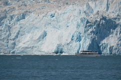 Aialik Gracier and cruise boat, Kenai Fjords National Park, Seword, Alaska Stock Images