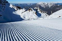 Aibga cirque narciarski skłon przygotowywał z snowcat w Krasnaya Polyana, Sochi Zdjęcia Stock