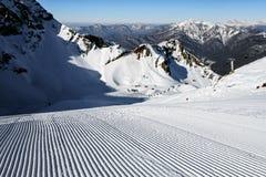 Aibga halnego cirque narciarski skłon przygotowywał z snowcat w Krasnaya Polyana, Sochi Obrazy Stock