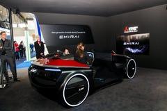 Aidé conduisant la voiture de concept par Mitsubishi sur l'exposition le CeBIT 2017 à Hanovre Messe, Allemagne Images libres de droits