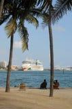 aida巡航靠了码头月神迈阿密船 免版税库存图片