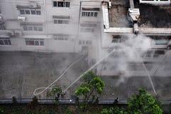 Aide dans l'urgence du feu Photographie stock libre de droits