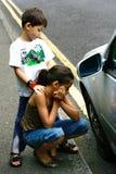 Aide de attente de bord de la route. Photos libres de droits