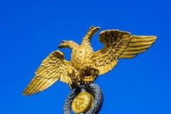 Aigle à tête double d'or images libres de droits