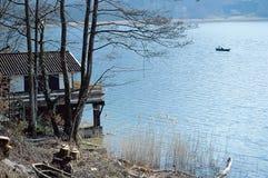 Aiguebelettemeer in Savooiekool, Frankrijk royalty-vrije stock fotografie