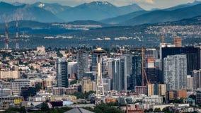 Aiguille de l'espace et la cascade Mountians à Seattle Washington Image libre de droits