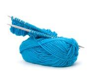 Aiguille de laine de fil et de tricotage. Accessoires de couture. Image stock