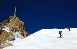 aiguille du密地滑雪者 库存照片