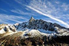 Aiguille du Dru en el macizo de Montblanc, montan@as francesas imagen de archivo