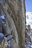Aiguille du Midi è un'alta montagna nel massiccio di Mont Blanc Fotografia Stock