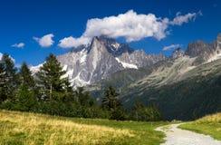 Aiguille du paisagem da montanha de Midi, cumes em France Fotografia de Stock Royalty Free