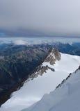 Aiguille du Midi met wolken Stock Fotografie
