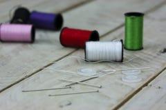 Aiguille et goupilles de couture de coton Photos libres de droits