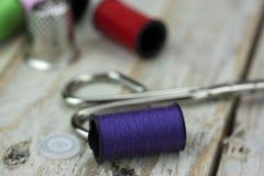 Aiguille et goupilles de couture de coton Image libre de droits