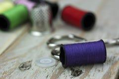Aiguille et goupilles de couture de coton Images libres de droits