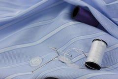 Aiguille et goupilles de couture de coton Photo stock