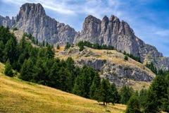 Aiguilles de Chabrieres fait une pointe en été, Alpes du sud, Frances Photographie stock libre de droits