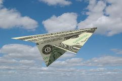 Aiirplane di carta fatto da soldi Fotografie Stock Libere da Diritti