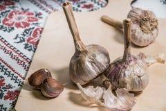 ail organique délicieux faisant cuire des préparations images libres de droits