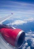 Aile d'avion en vol Image stock
