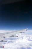 Aile d'avions sur le ciel Photographie stock libre de droits