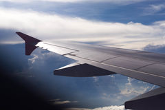 aile de cieux de vol bleu d'altitude d'aéronefs haute Photographie stock