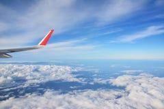 aile de cieux de vol bleu d'altitude d'aéronefs haute Photo libre de droits