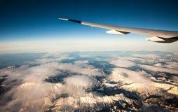 Aile simple au-dessus des alpes de Frances Image stock
