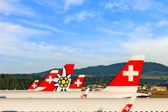 Ailerons de queue des avions - ligne aérienne Photographie stock libre de droits