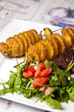 Ailes de poulet cuites au four en sauce de soja foncée Images libres de droits