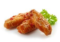 Ailes de poulet frit avec de la sauce chili douce photo stock