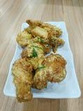 Ailes de poulet salées d'oeufs Photo libre de droits