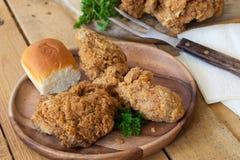 Ailes et riz de poulet frit Images libres de droits