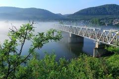 Ailway bro till och med floden Yenisei Royaltyfria Foton