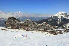 Aima 2000, paysage d'hiver dans la station de sports d'hiver de la La Plagne, France Images libres de droits