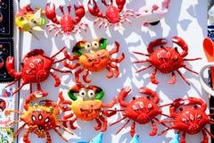 Aimants de réfrigérateur de crabe de souvenir, cap St Vincent Photographie stock libre de droits