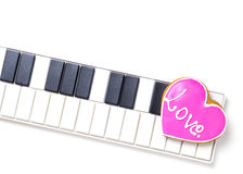 Aimez le coeur sur le clavier de musique pour des valentines et l'amour de musique Photo libre de droits
