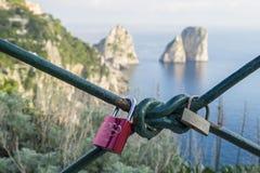 Aimez les serrures dans les jardins d'Augustus, Capri Photo libre de droits