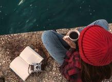 Aimez passer mon jour avec du café chaud Images libres de droits