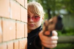 Aiming woman Royalty Free Stock Images