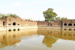 Aincent arquea los tanques de agua y arruina el bijapur Karnataka la India fotografía de archivo libre de regalías