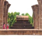Aincent bågar och gravvalvbijapur Karnataka Indien Royaltyfria Bilder