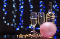 Ainda cena do partido da vida do vidro de flauta, dos balões e do champanhe Fotografia de Stock