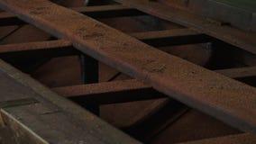 Ainda disparado do caminho de ferro oxidado video estoque
