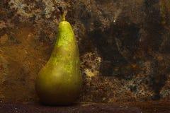 Ainda fundo oxidado do metal da pera da vida Foto de Stock Royalty Free