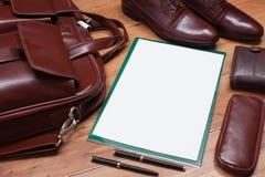 Ainda imagem do vintage da vida com saco, papel e Golovko, sapatas, came Imagem de Stock