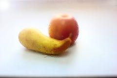Ainda maçã da pera da vida, vista completamente Fotografia de Stock Royalty Free