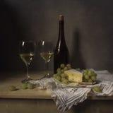 Ainda queijo da vida, vinho, uvas Foto de Stock