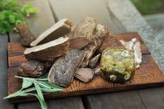 Ainda refeição do piquenique da carne da vida na mesa de madeira Imagens de Stock Royalty Free