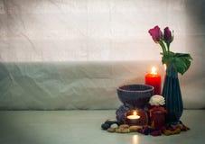 Ainda rosa do rosa da vida no fogão do vaso e do aroma no dia de aquecimento Imagem de Stock